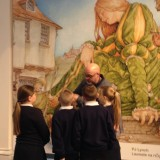 PJ Lynch meets pupils at exhibition